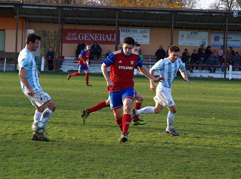 Z fotbalového utkání I.B třídy Městec Králové - Býchory (3:1)
