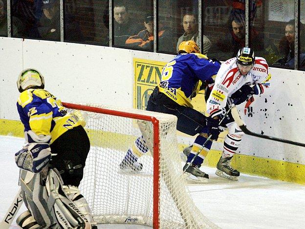 Hokejisté Nymburka prohráli s Chrudimí ve 3. utkání play off 3:8.