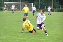 Z fotbalového utkání I.A třídy Poděbrady - Dlouhá Lhota (2:0)
