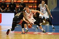 Z basketbalového utkání NBL Nymburk - Ústí nad Labem (101:79)