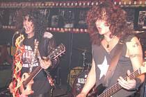 Adam Bomb zahrál ve velkém stylu v klubu Inferno