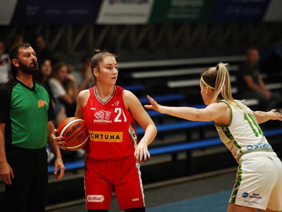 Basketbalistka Nikola Dvořáková