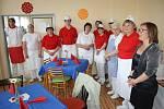 Před časem připravili v jídelně Základní školy Letců R.A.F. thajské speciality.
