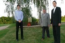 Pietní akt v Košíku: Pavel Fojtík, Luděk Kutmon a Zdeněk Milata