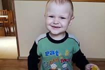 Tomášek bojuje od loňského května s leukémií. Obec a přátelé chystají benefiční koncert, jehož výtěžek by měl rodině pomoci financovat nákladnou léčbu.