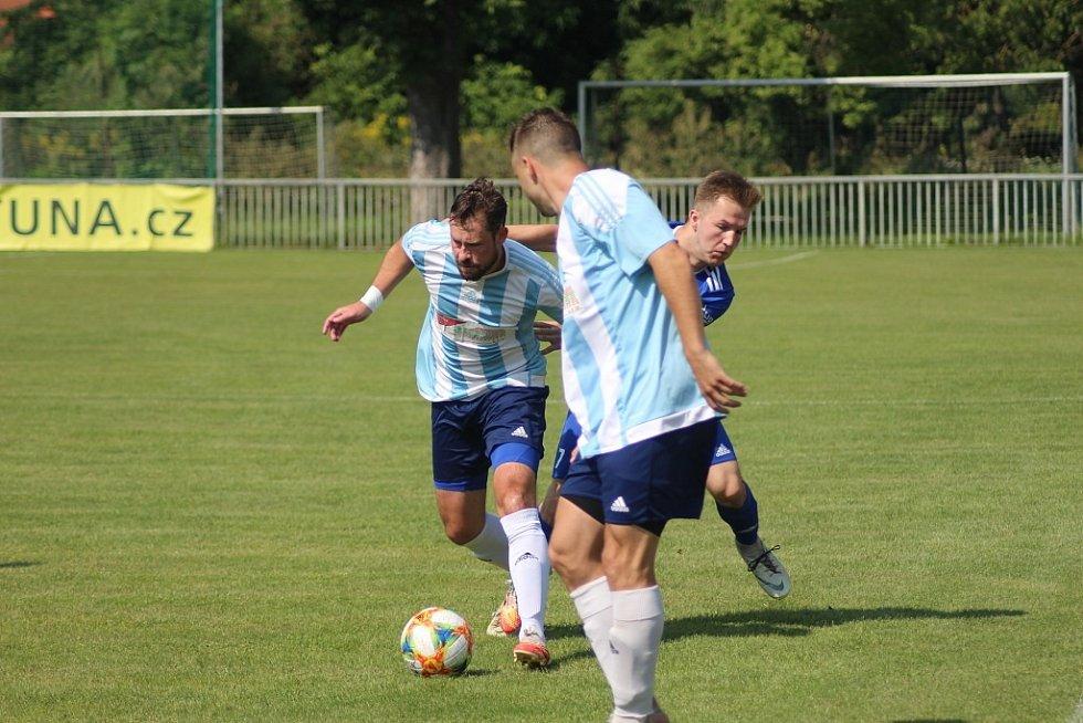 Z přípravného fotbalového utkání Poříčany - Slovan Lysá n. L