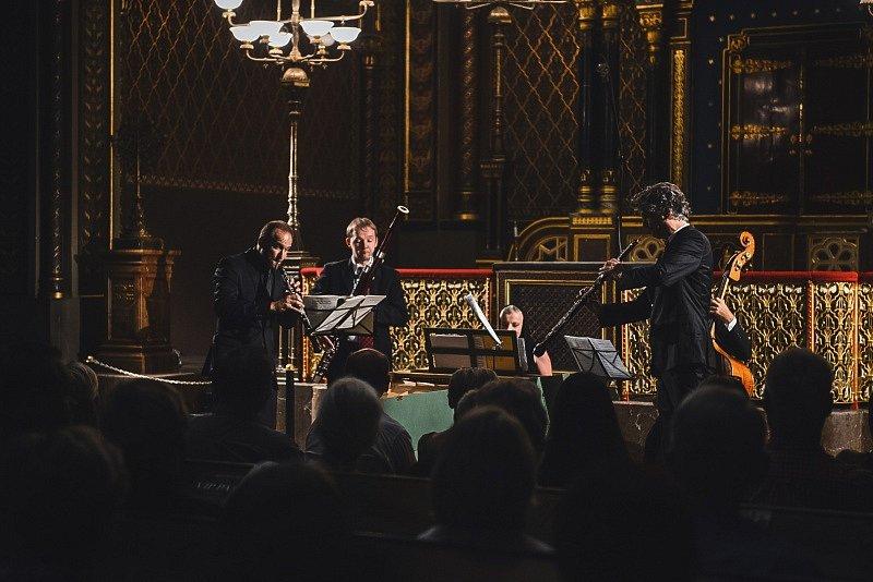 Nejznámější díla Johanna Sebastiana Bacha se už podruhé rozezní pražskými sakrálními stavbami.