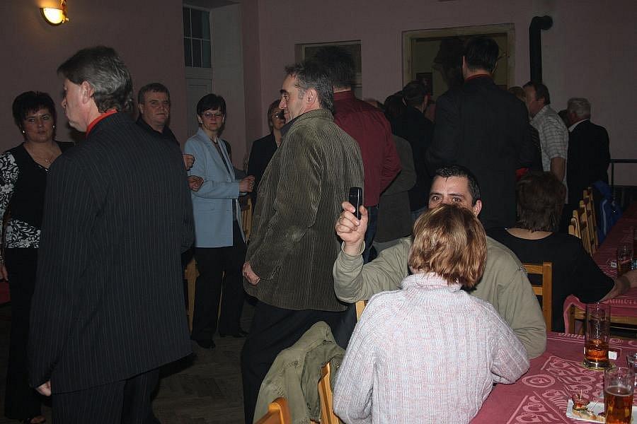Zahrádkářský ples v hostinci U Kyselů v Pístech
