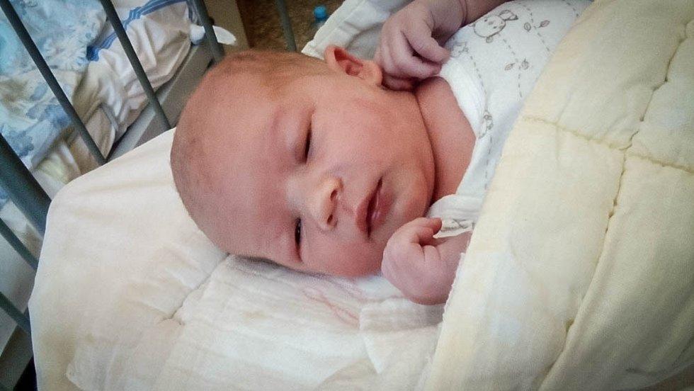 Daniel Hlavacska, Kamenné Zboží. Narodil se 6. června 2019 v 8.34 hodin, vážil 3 600g a měřil 49 cm. Z chlapečka se radují rodiče Lucie a Martin a Laurinka (4 roky).