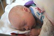 SEBASTIAN KŘENA se narodil 10. listopadu 2018 v 1:46 hodin s délkou 50 cm a váhou 2 950g. Rodiče Tereza a Martin z Lysé nad Labem se na prvorozeného chlapečka předem těšili.