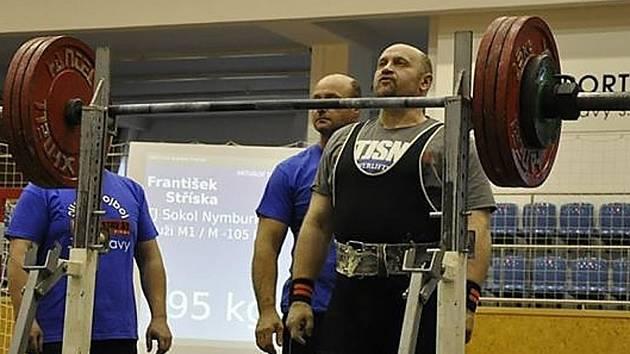 Silový trojbojař Nymburka František Stříska sahal po bronzu, nakonec skončil čtvrtý.