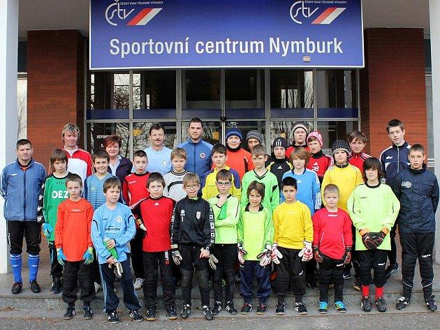Pětadvacet mladých brankářů se připravovalo na soustředění ve Sportovním centru v  Nymburce