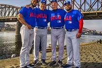 VZÁCNÁ NÁVŠTĚVA. V Nymburce skolili české trenéry baseballu profesionálové ze slavné Major League Baseball.