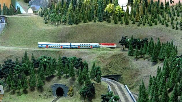 V Lysé ožil model železnice