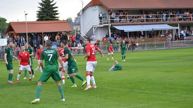 Na divizní utkání už fotbaloví příznivci v Ostré na podzim nepůjdou.