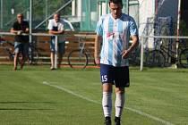 Hrál dvě minuty. Poříčanský obránce Tomáš Chlapec pobyl na hrací ploše v prvním zápase nové divizní sezony s Vysokým Mýtem pouhé dvě minuty. Pak dostal červenou kartu