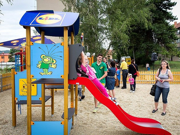 Takové dětské hřiště může vyrůst i v Nymburce. Stačí hlasovat.
