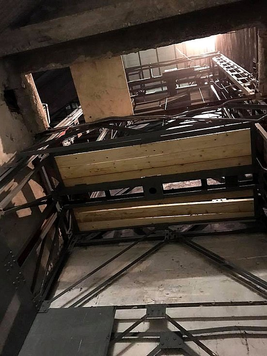 Díky většímu výtahu budou v divadle k vidění náročnější představení.