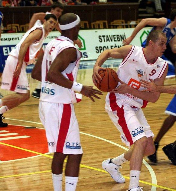 Basketbalisté Nymburka postoupili přes Ostravu do finále Českého poháru