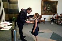 Ocenění předával místostarosta Roman Schulz.