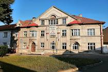 Městský dům Knéblák, ve kterém vzniknou po rekonstrukci byty pro rodiny, které se dostaly do těžké životní situace.