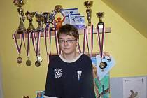 Jedenáctiletý Zdeněk Hlaváček je mistrem světa v jízdě na motorovém člunu.
