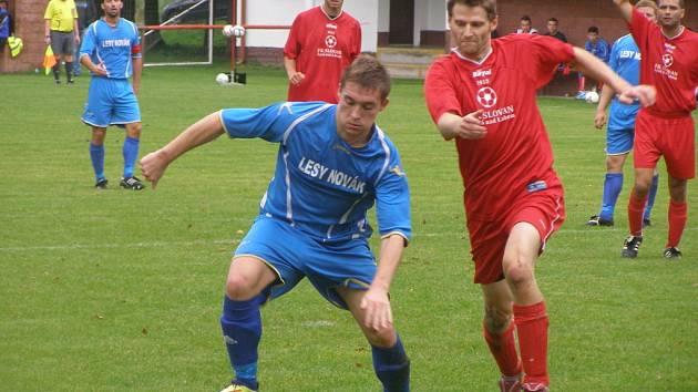 Z okresního fotbalového derby I.B třídy Sokoleč - Lysá (5:0)