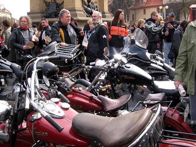 V Poděbradech se sešli příznivci Harley Davidson.