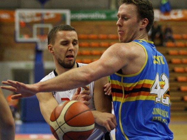 Z basketbalového utkání Kooperativy NBL Nymburk - Jindřichův Hradec (106:73)