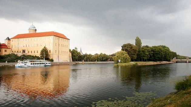 Ostrov pod zámkem v Poděbradech se brzy otevře veřejnosti.