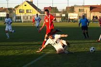 Fotbalisté Bohemie Poděbrady vyhráli ve Velimi 2:0.