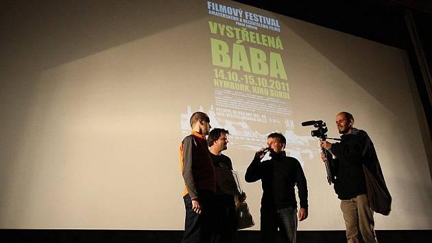 V Nymburce se konal první ročník amatérského filmu Vystřelená bába.