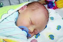 MAXÍK BYL DOPŘEDU PROZRAZEN. Maxmilián Plaček se narodil mamince Lence a tátovi Honzovi 4. prosince 2014 v 8.26 hodin. Vážil 3 500 g a měřil 49 cm. Rodiče si nechali svého syna dopředu prozradit. Rodinka bude bydlet v Chotusicích.