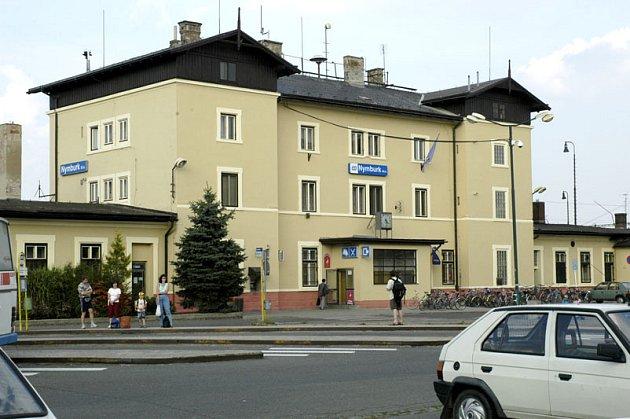 """Nymburské nádraží na své """"oživení""""  zatím stále čeká."""