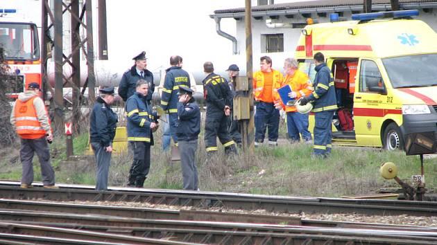 Záchranáři zasahovali v noci u železničního neštěstí.