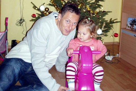 Tomáš Kuchař s dcerou,