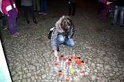 Na nymburském náměstí se sešly desítky lidí, aby si připomněly výročí 17. listopadu.