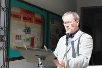 Na začátku pašijového týdne se už po sedmé v Nymburce sešli lidé, aby se připojili k celonárodnímu čtení z Bible, kterého se každoročně účastní desítky měst.