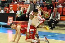Ze semifinálového utkání Mattoni NBL Nymburk - Pardubice