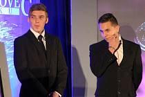 STRATOVSKÉ NOHEJBALISTY, první tým mezi mládežníky, zastupovali Lukáš Novák (vlevo) a Adam Krejčík