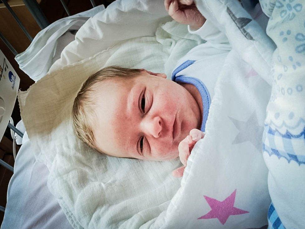 Michael Jakubal, Milovice. Narodil se 29. května 2019 v 13.06 hodin, vážil 3 310 g a měřil 51 cm. Na chlapečka se těšili rodiče Lenka a Michal.