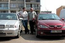 Svatoplukové Novotní ze Sadské - otec se synem, kteří si sami našli ukradené auto.