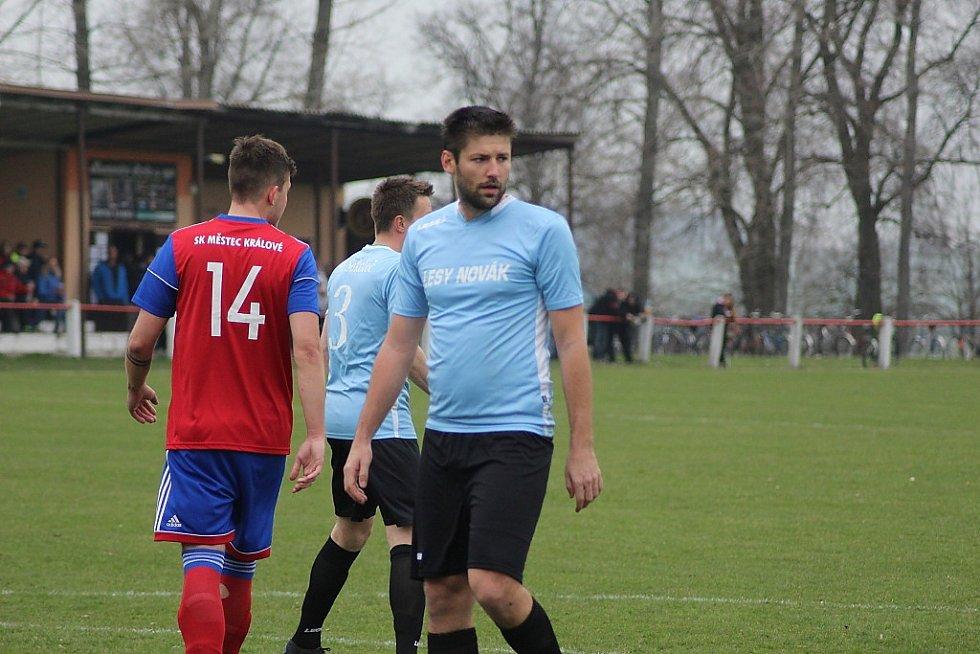 Z fotbalového utkání krajské I.B třídy Městec Králové - Sokoleč