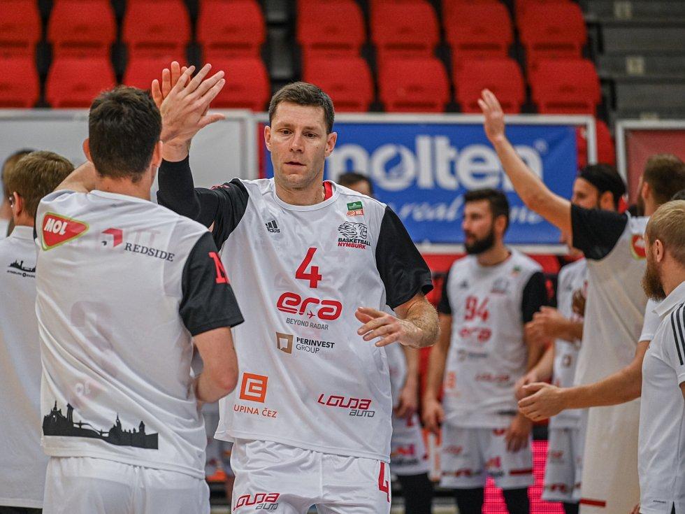 Nymburský basketbalista Petr Benda.