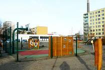 Nové dětské hřiště v ulici Generála Sochora.
