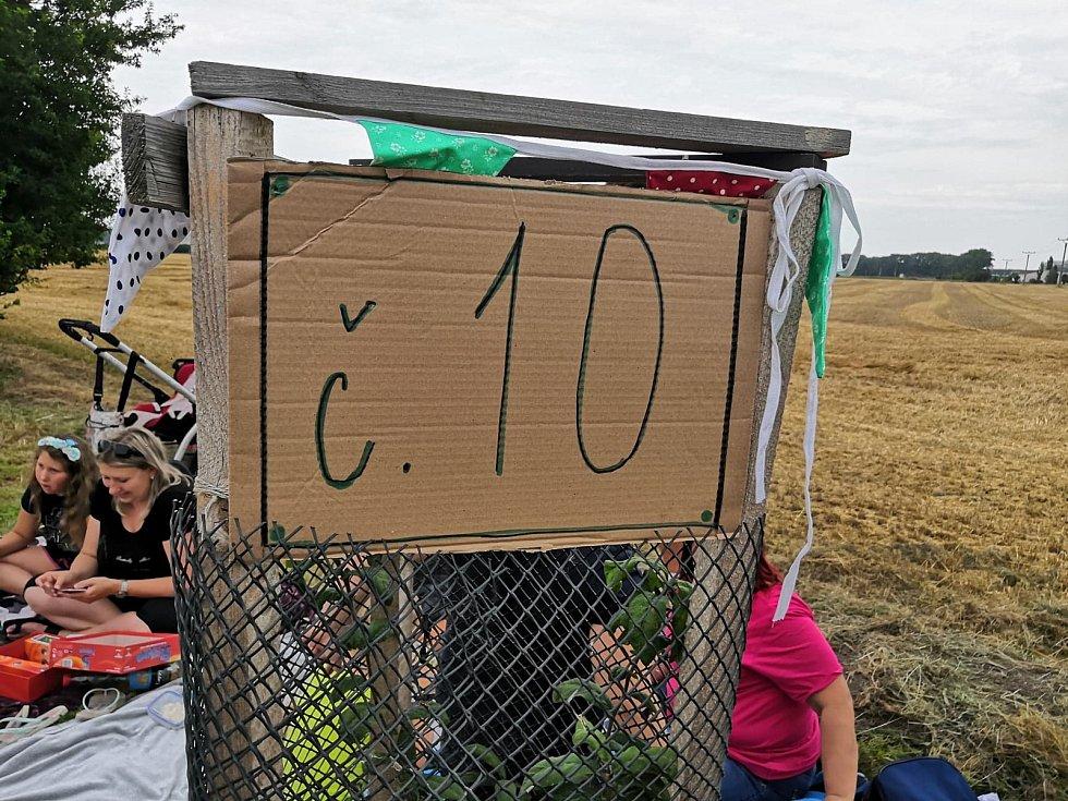 Akce Česko jde spolu na piknik na Jiráskově stezce.