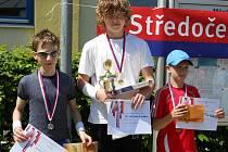 David Noll (uprostřed) se stal přeborníkem Středočeského kraje v plavecko – běžeckém poháru