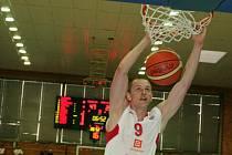 Z basketbalového utkání play off Mattoni NBL Nymburk - USK Praha (90:55)