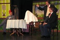 Z představení Vražda v salonním kupé a následných oslav