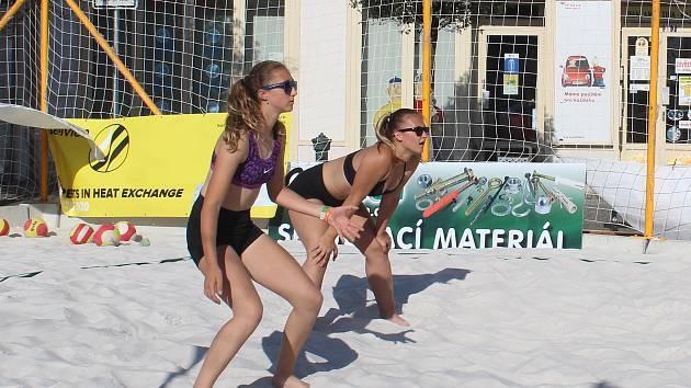 Náměstí Přemyslovců hostí Týden beach volejbalu.